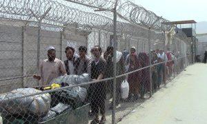 PM Imran orders smooth entry to Afghans on valid visas