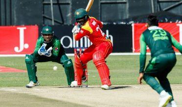 Pakistan vs Zimbabwe Sarfraz Ahmed and Shadab Khan