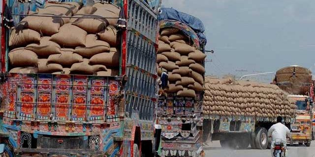 commodity trucks coming from karachi from punjab and inner sindh started being stolen 5e4bd99d83a9a 640x405 1