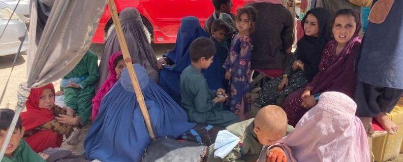 ہزاروں افغان مہاجرین